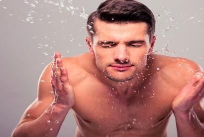 Cuidado facial para hombres - 3 sencillos pasos para lucir más guapo que nunca